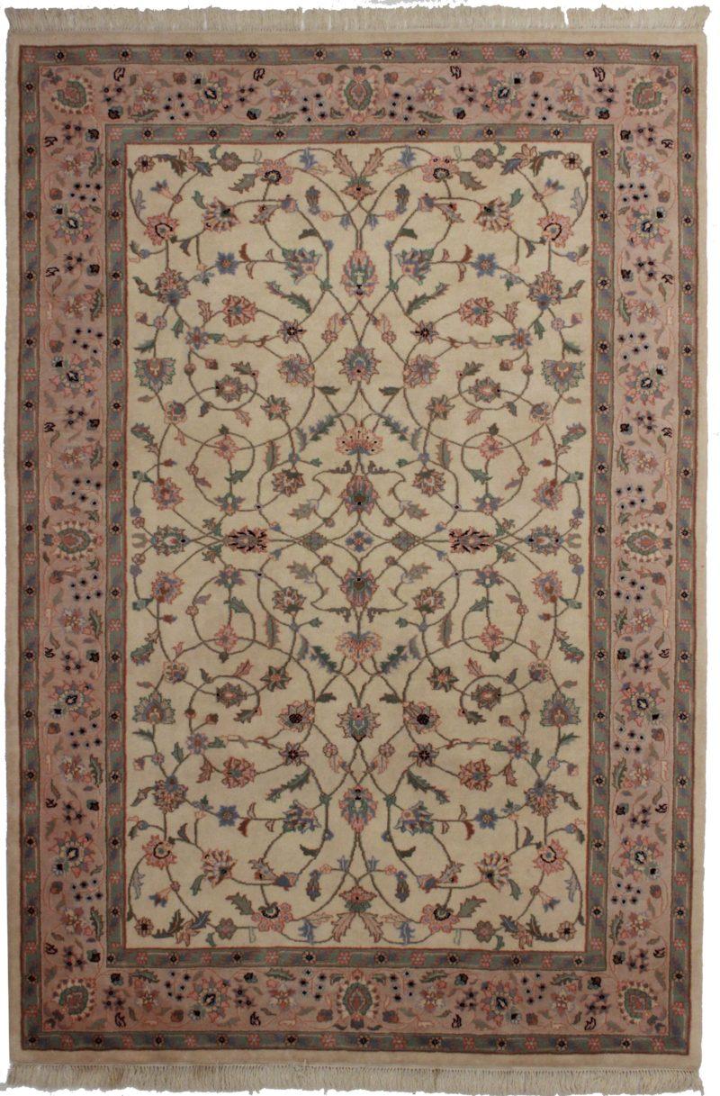 Vintage Persian Design 6 x 9 Wool Rug 8767